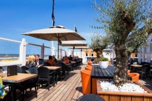 Beach clubs – Restaurants by the sea