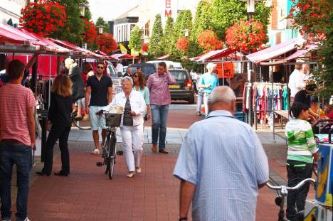 Dinsdag wekelijkse markt in Hillegom