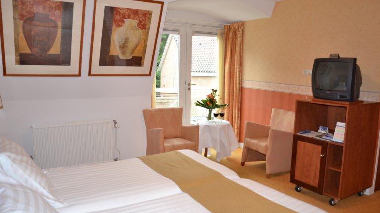 2 3 4 daagse hotel arrangementen bij fletcher hotel de witte raaf - Witte kamer en fushia ...